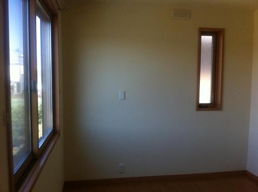 20120511004_子供部屋東側の窓