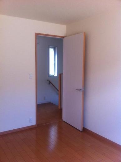 20120512002_子供部屋のドア