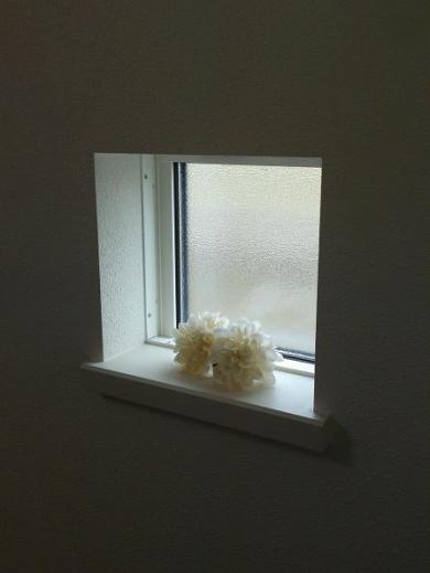 20120518003_アクセント小窓のスペース