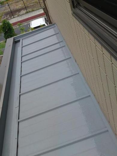 20120519002_子供部屋の窓から見た凸部屋根