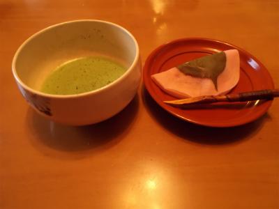 1.24桜餅と抹茶