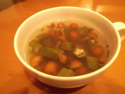 5.12のののオクラ・なめこスープ