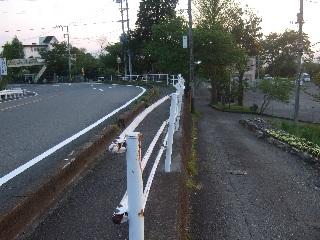 小時雨坂のカーブ_H27.05.01撮影