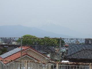 跨線橋からの富士山_H22.05.22撮影