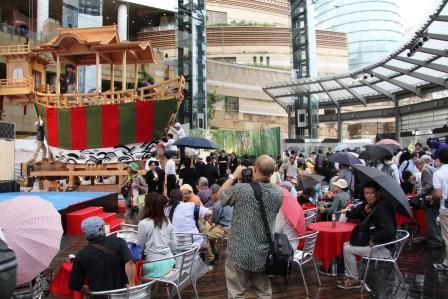 大船鉾と会場の様子_H27.06.19撮影