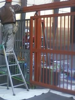 大使館塗装1