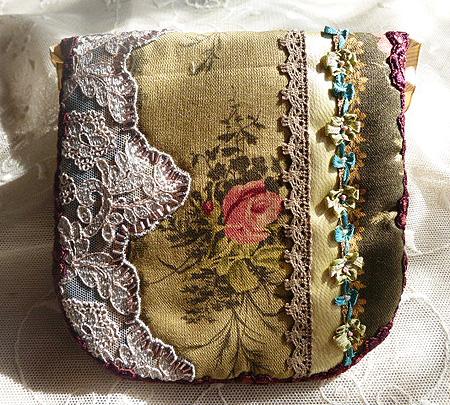 ヴィクトリアン刺繍 ポ-チ 2