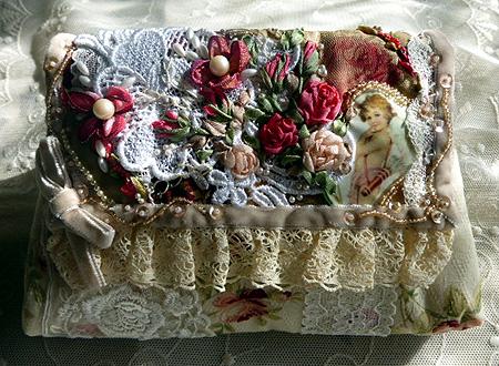 ヴィクトリアン刺繍・ポ-チ