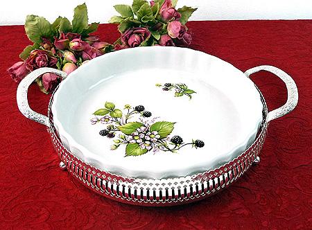 ブラックベリ-のディッシュ皿