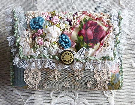 ヴィクトリアン刺繍・ティッシュケ-ス