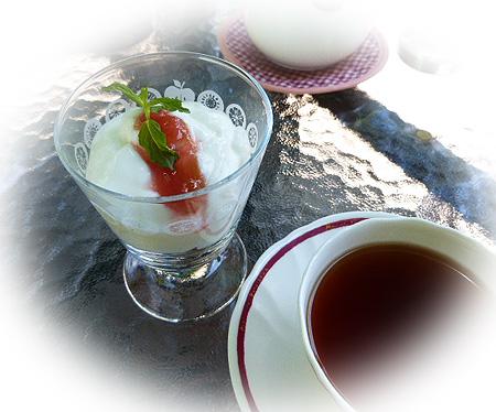 ヨ-グルト・シリアル&紅茶