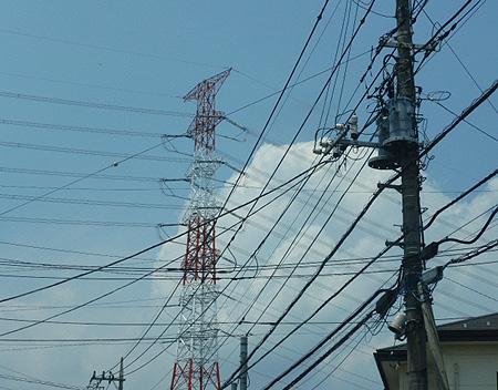 信号待ち 夏雲