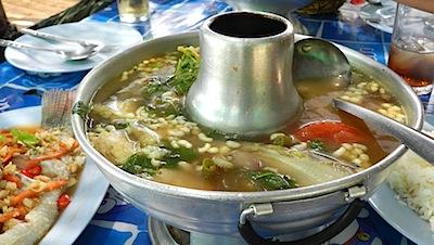 アリ入りスープ