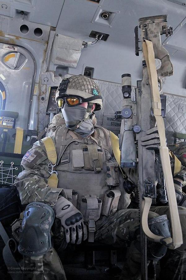 特殊部隊(英国スナイパーのフル装備)image