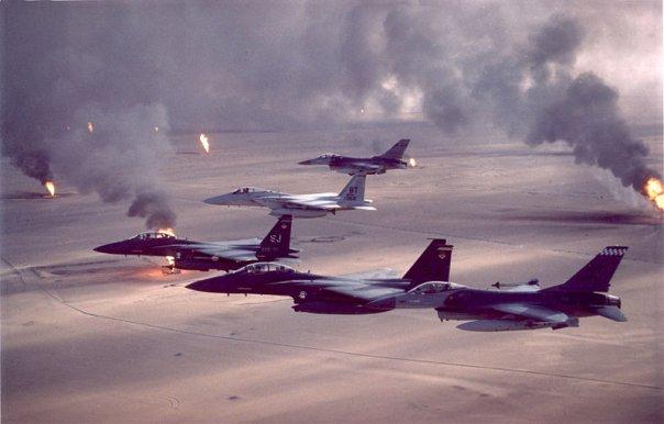 湾岸戦争(砂漠の上の戦闘機)image