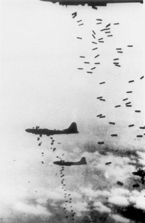 空襲(B29の爆撃)image
