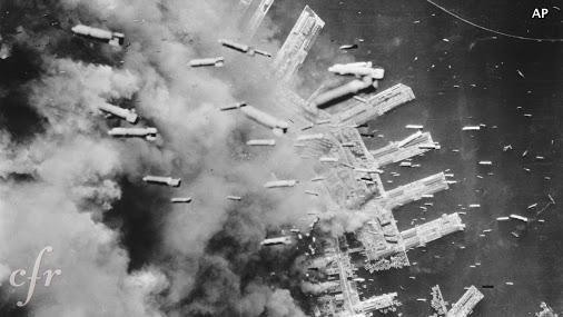 空襲(投下されるもの)image