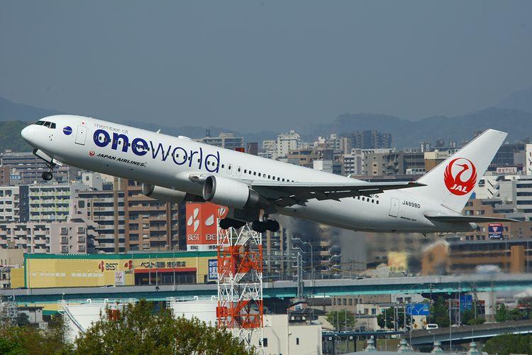 1504福岡空港① (157)FC2