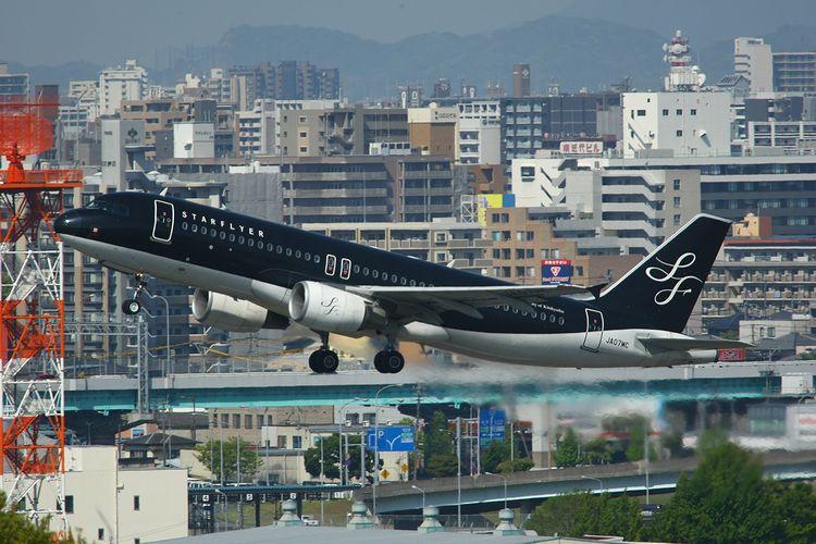 1504福岡空港① (178)FC2