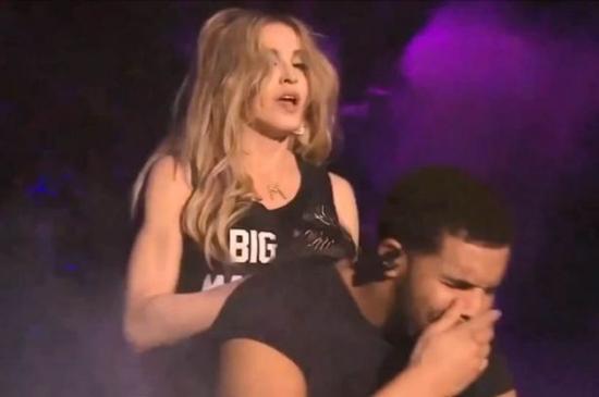 Madonna-Kisses-Drake.jpg