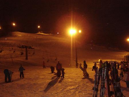 スキー場に10時間…