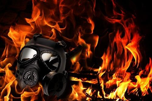 炎とガスマスク 争い