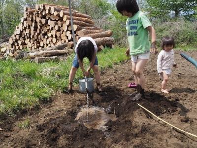4泥んこ遊び_R