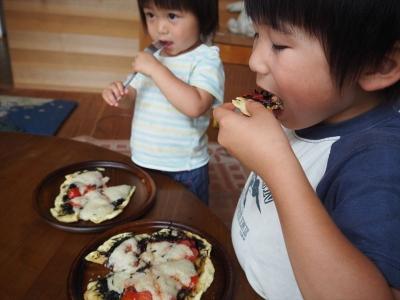 19ピザ食べる_R