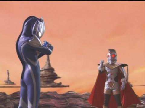 ウルトラマンキングからナイトブレスを授かるウルトラマンヒカリ