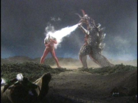 ウルトラセブン vs 大龍海