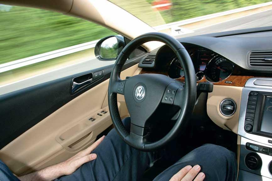自動運転トラックの許可取得