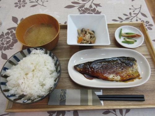 日替り定食(サバの煮付け) \650
