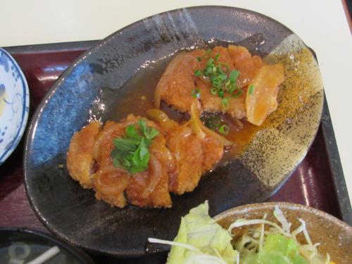 肉(ヒレカツのデミグラスソース)