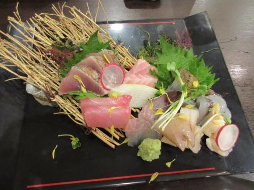 本日の鮮魚5種盛り ~オマケで7種