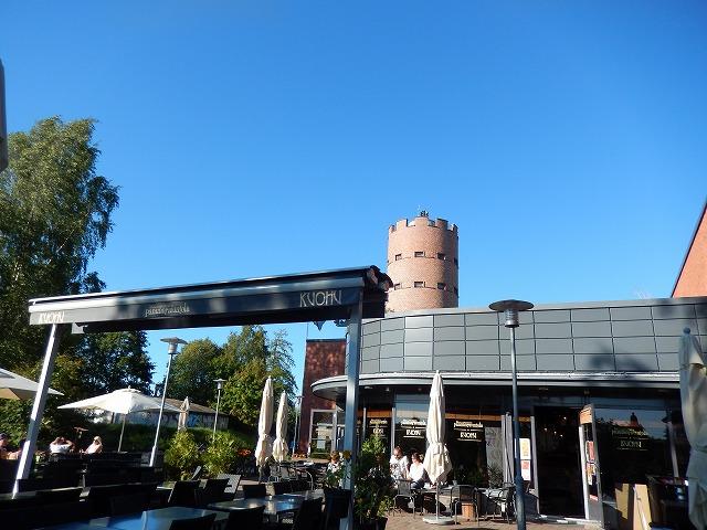 給水塔とレストラン