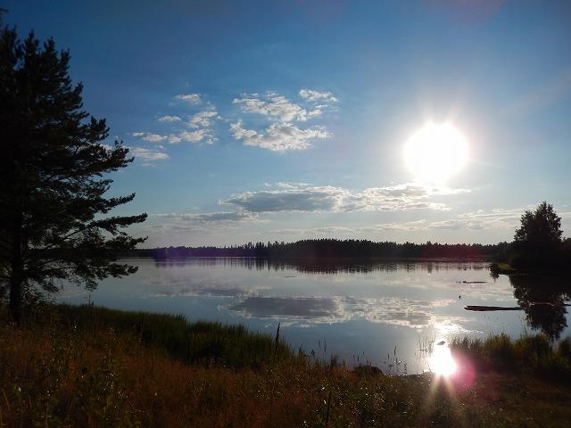 湖上の太陽