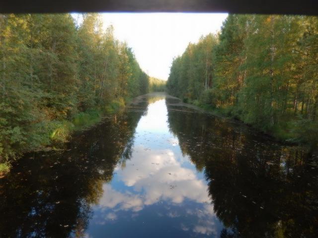 川の中の雲