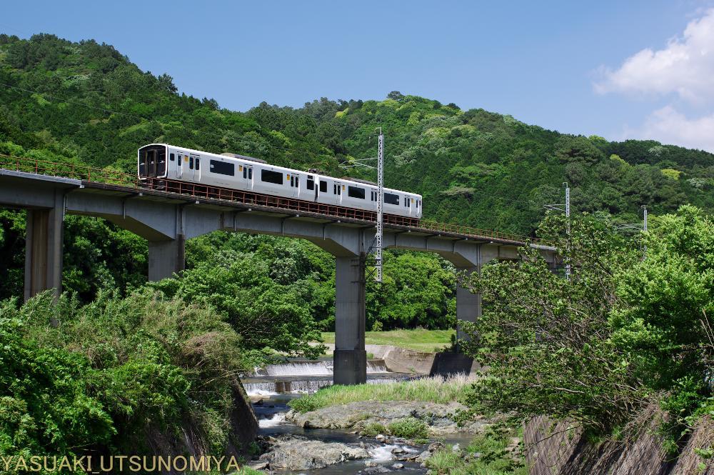 篠栗線817系