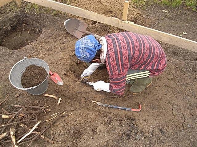 基礎穴掘り