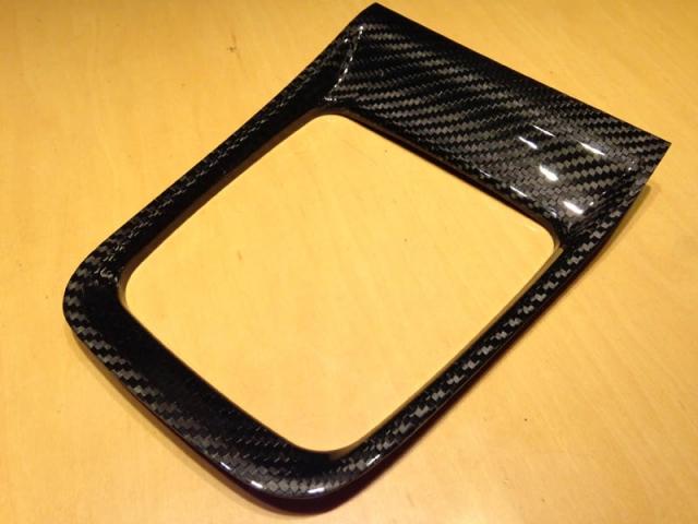 ドライカーボン製シフトカバーパネル1