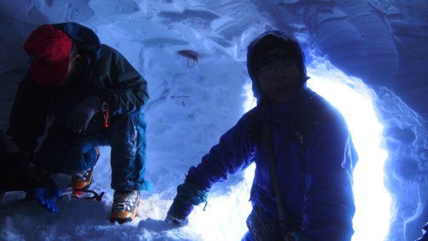 雪洞中から