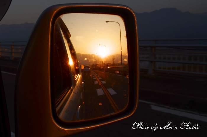 バックミラーの夕焼け 愛媛県西条市禎瑞 産業道路