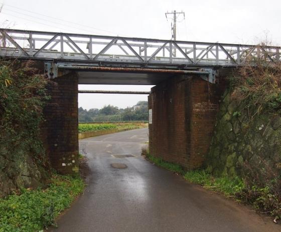 赤レンガ陸橋01