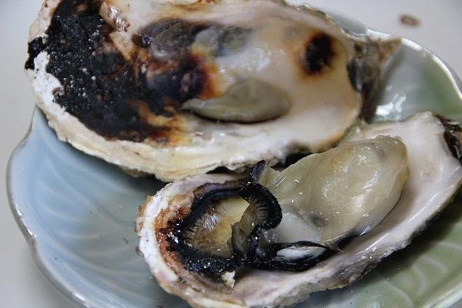 062_加福食堂の焼牡蠣-20141231-181141