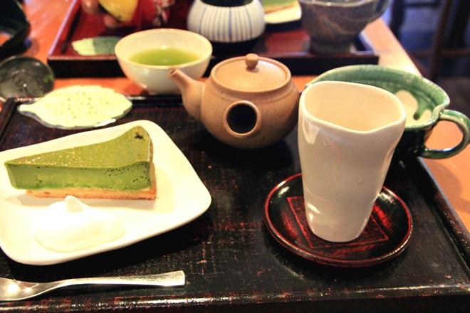 030_和CAFE「茶楽」のお茶と抹茶チーズケーキのセット-20141231-181122