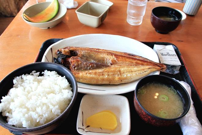 098_柿崎商店のほっけ定食大盛り-20141231-181201