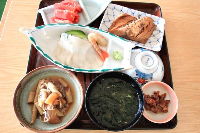 089_静観荘のおまかせ定食-20141231-181155