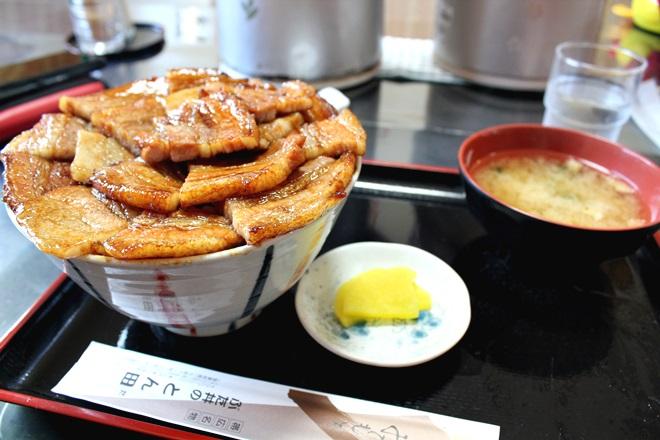 022_とん田の豚丼(バラ)+ライス大盛り+肉大盛り-20141231-181118