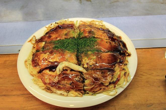 061_お好み焼きみっちゃん総本店のイカ そば肉玉子 麺ダブル-20141231-181140