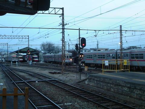須坂駅寒い朝